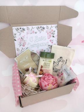 """Подарочный набор с Днем Рождения женщине """"Цветочный"""""""
